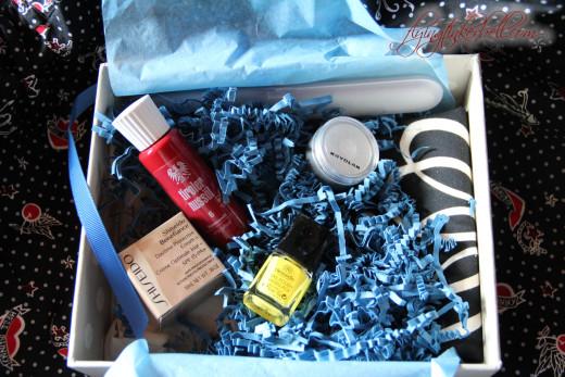 Macht Freude auf Sommer und Meer – oder Glossybox Beauty Juni 2012